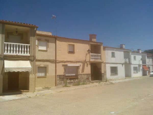 Casa en Badajoz (35740-0001) - foto0
