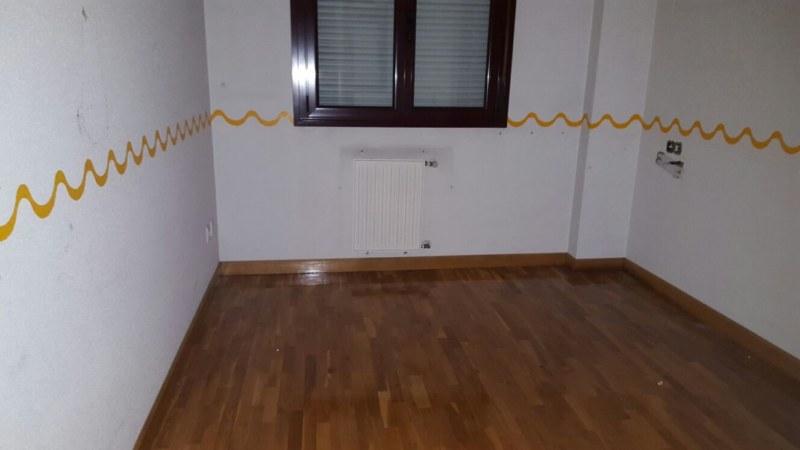 Piso en Oviedo (93209-0001) - foto3