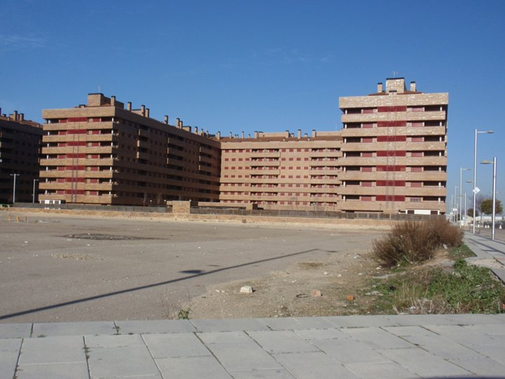 Edificio en Seseña (22576-0001) - foto0