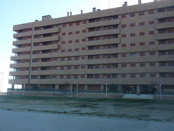 Edificio en Seseña (22576-0001) - foto1
