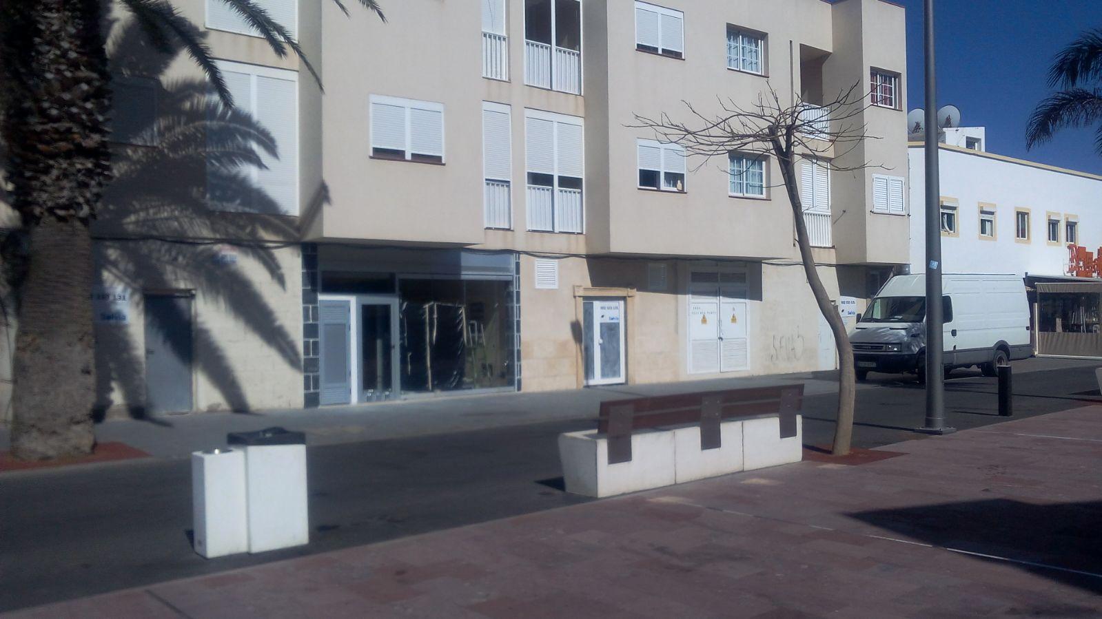 Locales en Oliva (La) (30886-0001) - foto0