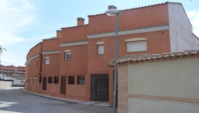 Edificio en Recas (M83453) - foto0