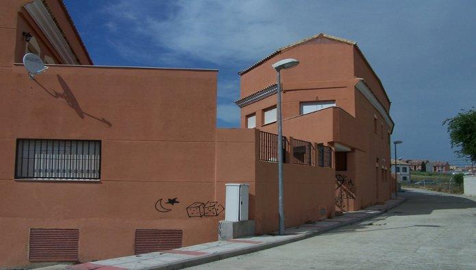 Edificio en Recas (M83453) - foto1
