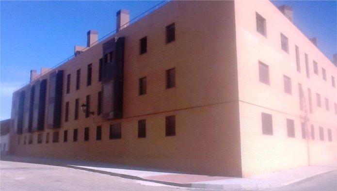 Edificio en Yuncler (M85624) - foto0
