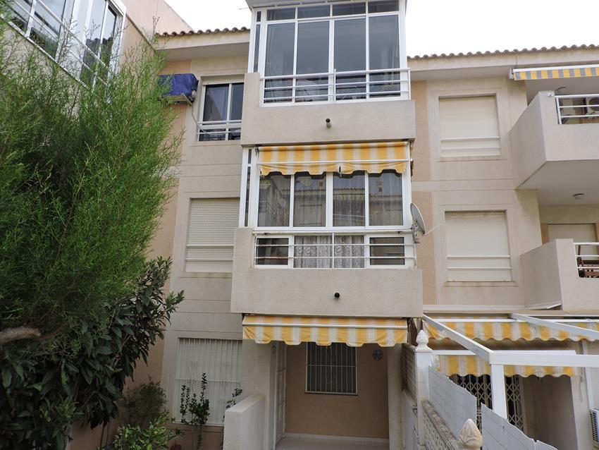 Apartamento en Torrevieja (Urbanización Los Frutales Fase IV) - foto0