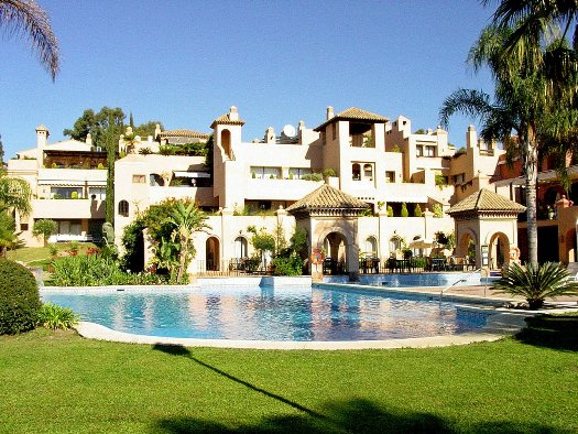 Apartamento en Estepona (Cartuja del Golf) - foto0