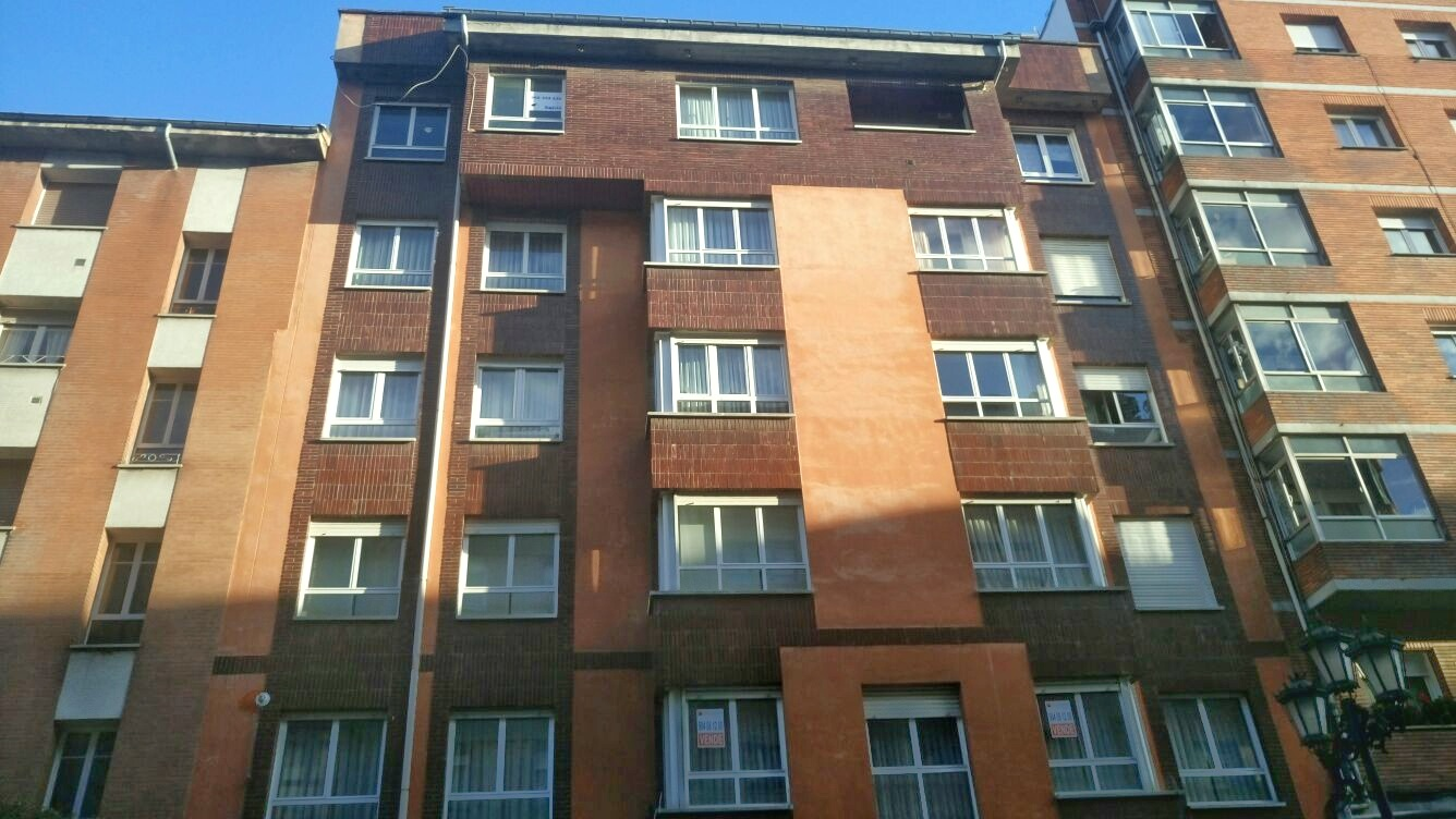 Piso en Oviedo (30356-0001) - foto0