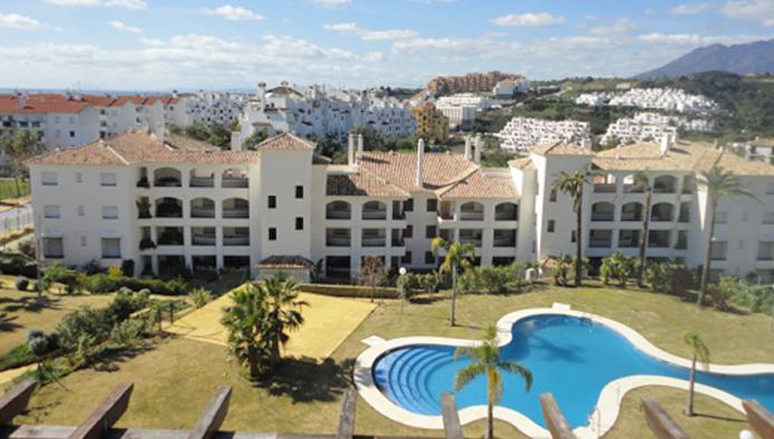 Apartamento en Estepona (M16460) - foto0