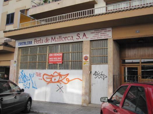 Locales en Palma de Mallorca (02110-0001) - foto0