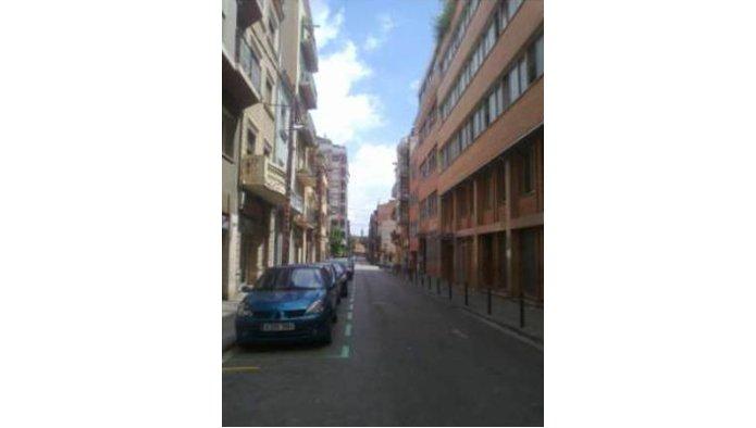 Locales en Barcelona (Rosalía de Castro) - foto1