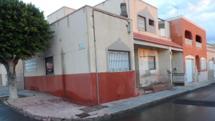 Casa en Almer�a (24885-0001) - foto0